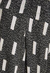 Henrik Vibskov - GOOD TIME PANTS - Kalhoty - blocks print - 2