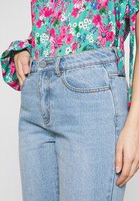 Lost Ink Petite - VINTAGE MOM - Jeans straight leg - goji - 4