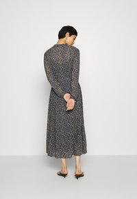 Marc O'Polo - DRESS LONG STYLE BELTED WAIST DETAILED NECKLINE - Kjole - multi - 2