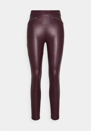 VIKISS COATED - Leggings - Trousers - winetasting