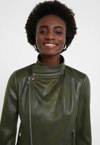 Desigual - BROWARD - Faux leather jacket - green - 3