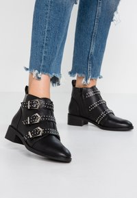 ONLY SHOES - Boots à talons - black - 0