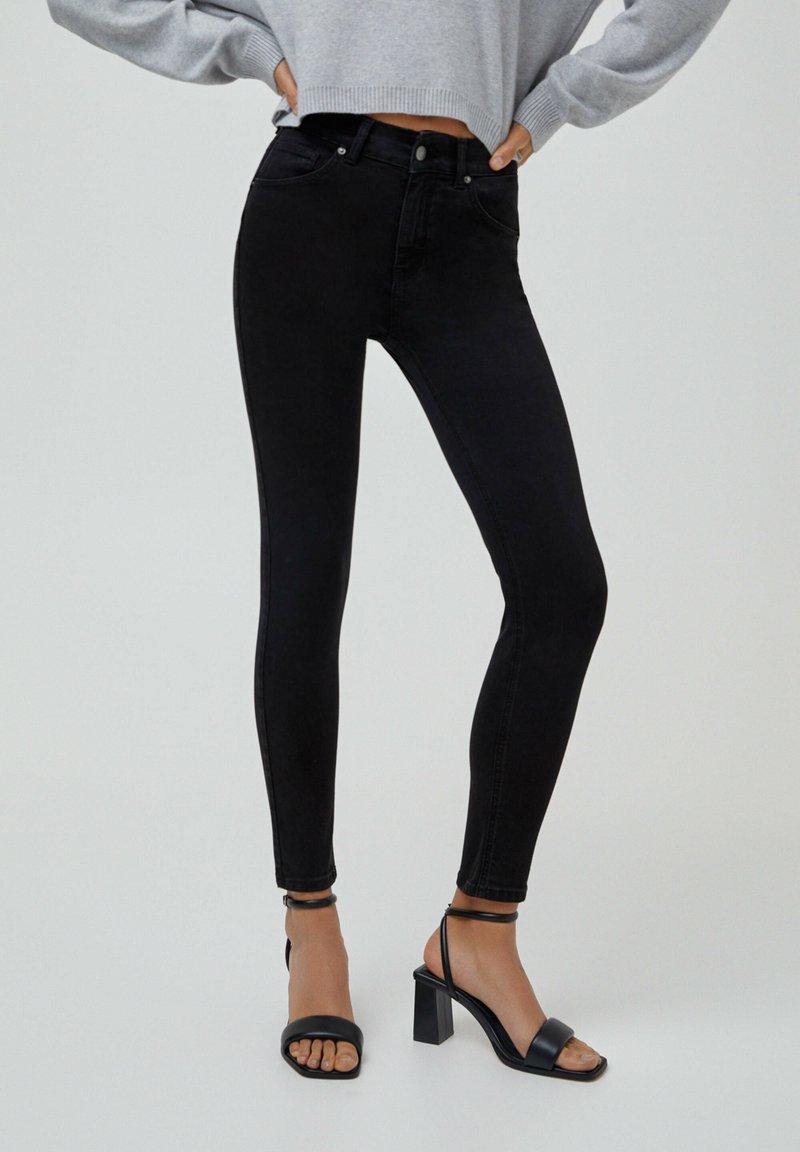 PULL&BEAR - PUSH UP - Jeans Skinny Fit - black