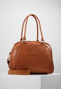 Lässig - TENDER CIPO BAG SET - Baby changing bag - cognac - 0