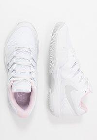 Nike Performance - AIR ZOOM PRESTIGE - Multicourt tennis shoes - white/photon dust/pink - 1