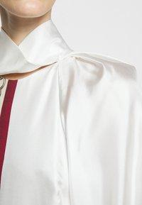 Victoria Beckham - DRAPED SLEEVE DRESS - Occasion wear - cream/bordeaux - 6