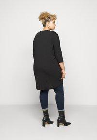 Vero Moda Curve - VMHONIE LOOSE - Long sleeved top - black beauty - 2