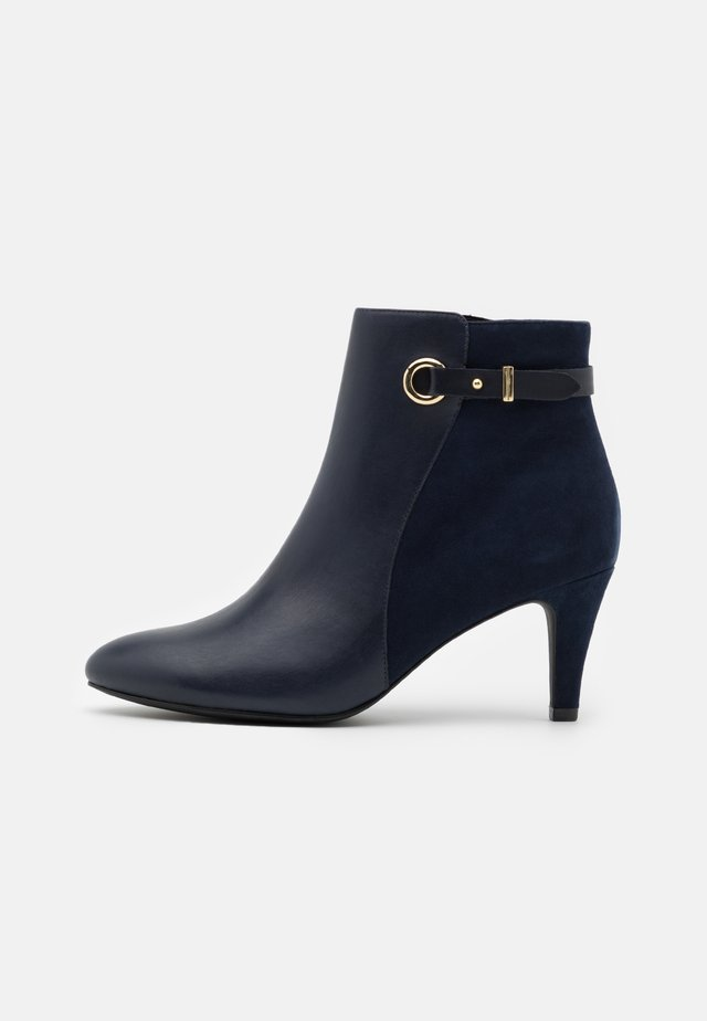 Ankle boots - dark blue