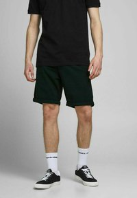 Jack & Jones - 2 PACK - Shorts - dusty olive - 2