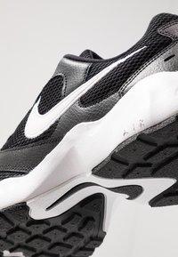 Nike Sportswear - AIR HEIGHTS - Sneakers - black/white - 5