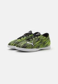 Puma - ULTRA 4.2 IT JR UNISEX - Indoor football boots - black/white/yellow alert - 1