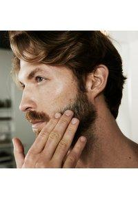 L'Oréal Men Expert - BARBER CLUB STANDARD COFFRET 2 PIECES - Skincare set - - - 3