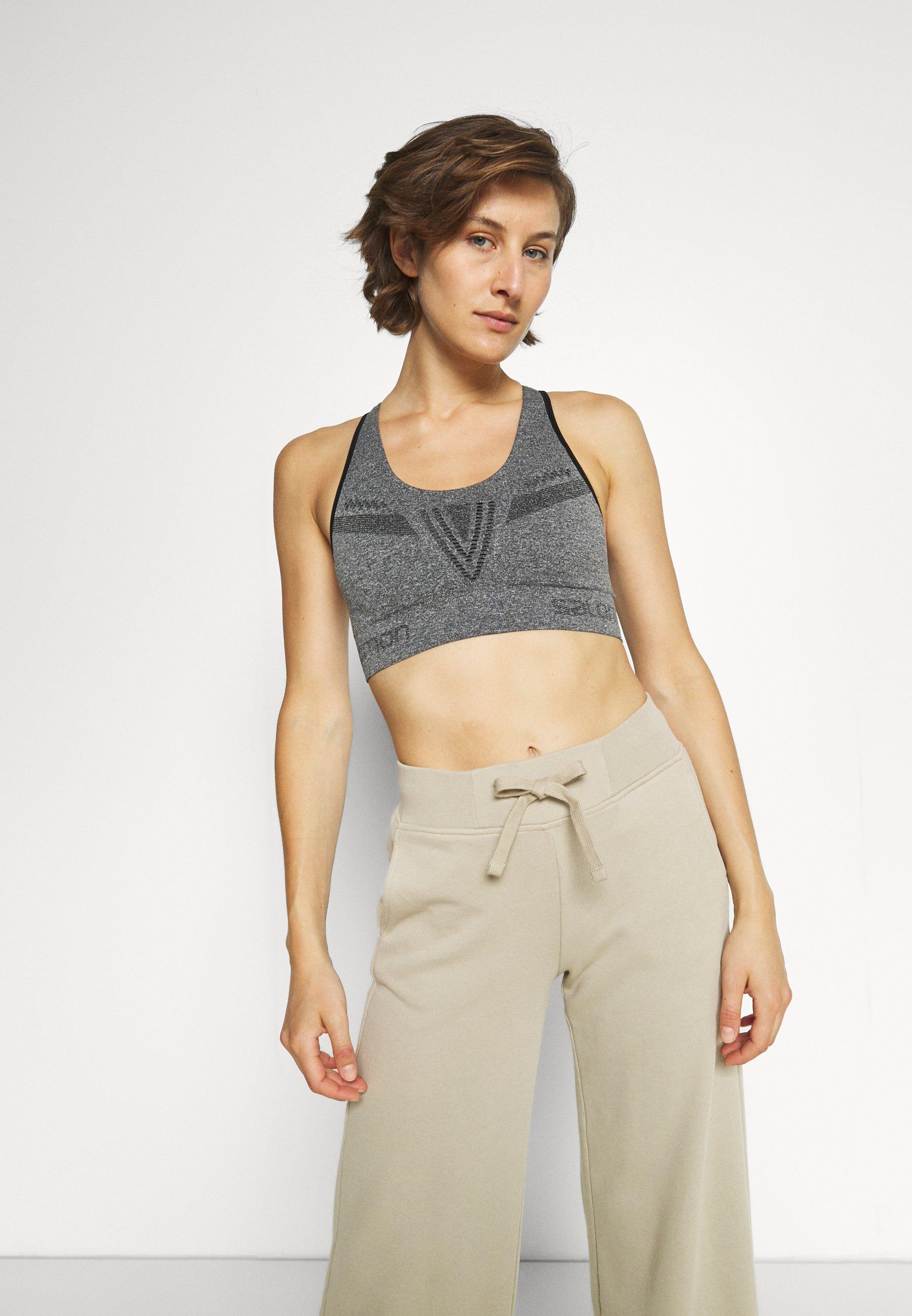 Women ELEVATE MOVE ON BRA  - Medium support sports bra