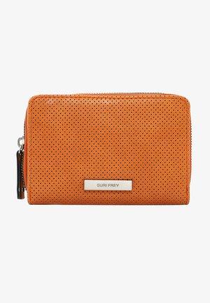 FRANZY - Wallet - orange