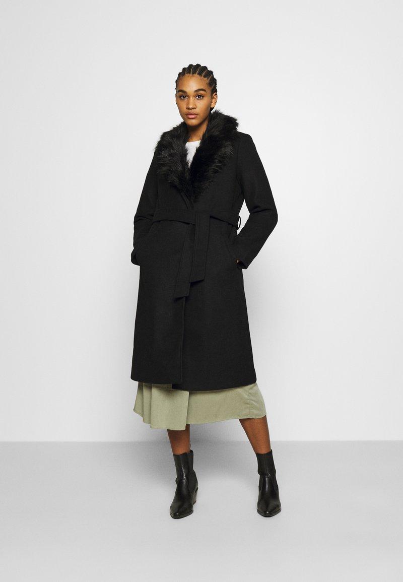 ONLY - ONLBERNA WRAP COAT - Klasický kabát - black