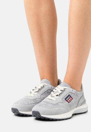 ABRILAKE - Trainers - gray