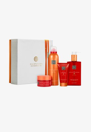 THE RITUAL OF HAPPY BUDDHA - ENERGISING RITUAL 2019 GESCHENKSET  - Bath and body set - -
