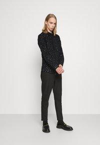 Twisted Tailor - SLATER SHIRT - Shirt - black - 1