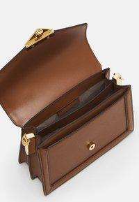 MICHAEL Michael Kors - GRACE XBODY - Handbag - brown - 4