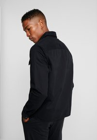 New Look - DOUBLE POCKET OVERSHIRT - Shirt - black - 2