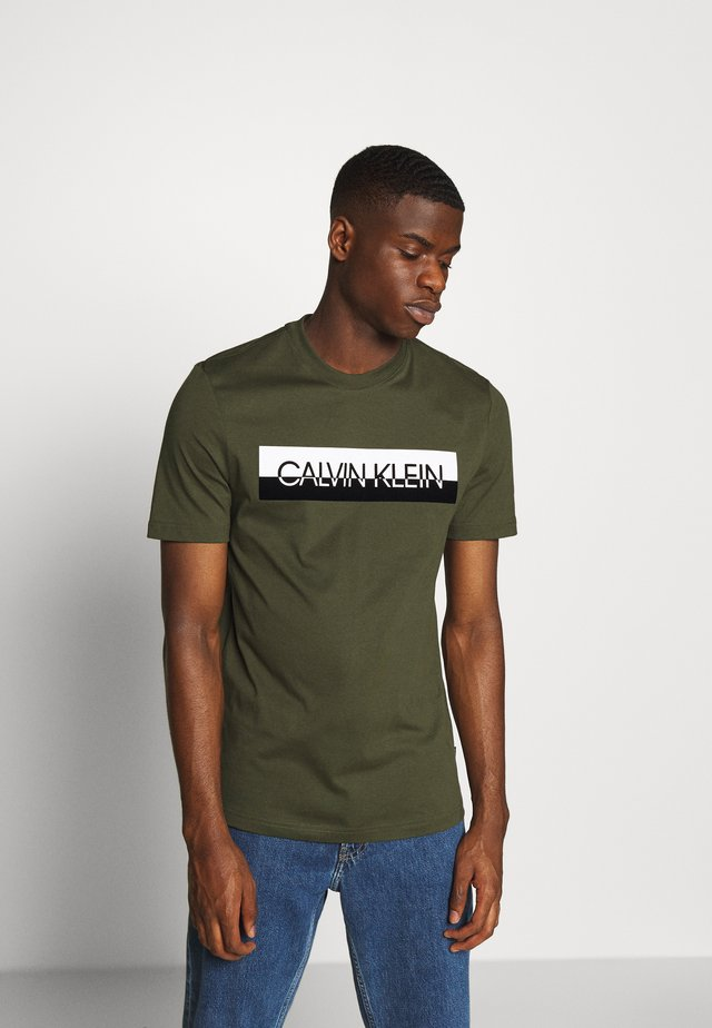 SPLIT LOGO - Print T-shirt - green