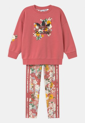 FLORAL SET - T-shirt con stampa - hazy rose/multicolor/black/trace pink