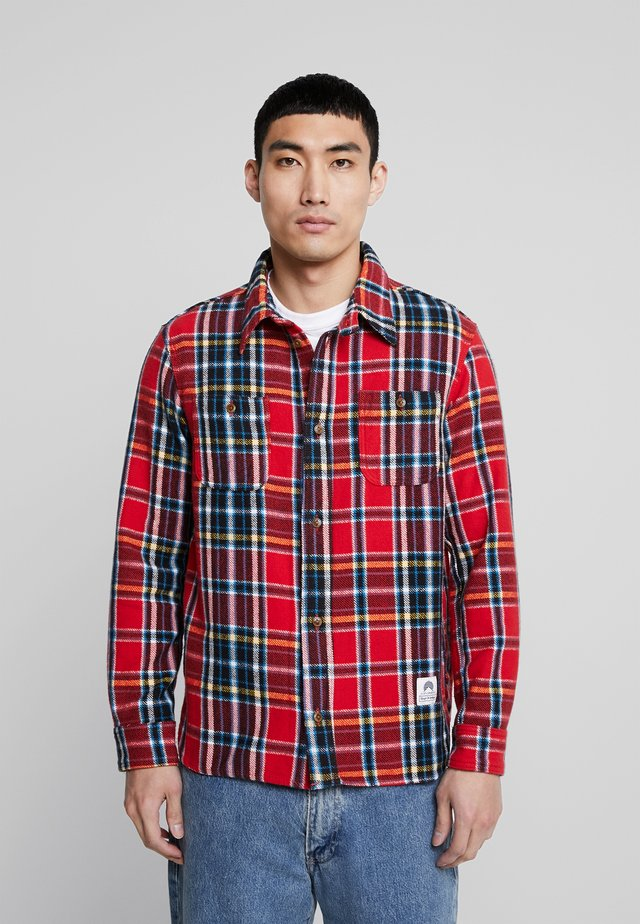 JUNTOKU - Overhemd - red