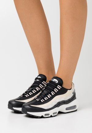 AIR MAX 95 - Sneakersy niskie - black/pearl white/summit white