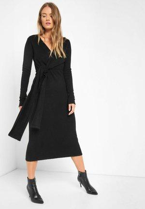 MIT V-AUSSCHNITT - Jumper dress - schwarz