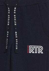 Retour Jeans - DEAN - Tracksuit bottoms - dark navy - 2
