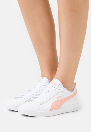 SMASH - Trainers - white/apricot blush/black
