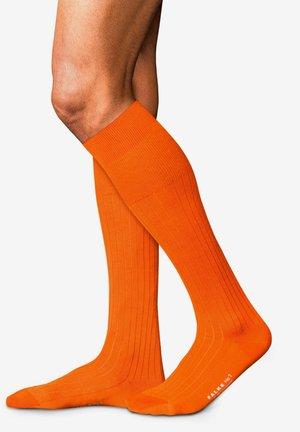 Knee high socks - ziegel