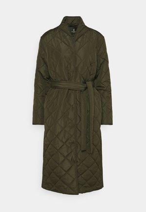 AZAMI LINETTE COAT  - Winter coat - green night