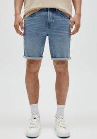 PULL&BEAR - Denim shorts - mottled blue - 0