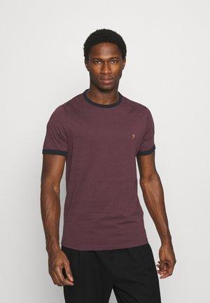 GROVES RINGER TEE - T-shirt z nadrukiem - farah red