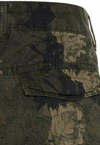 camel active - Shorts - leaf green - 7