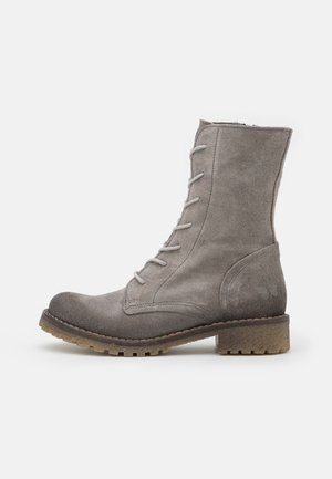 CASTER - Veterboots - marvin ice