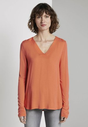 T-SHIRT FABRIC MIX V-NECK - Blouse - fusion coral