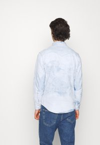 Levi's® - BARSTOW WESTERN STANDARD - Overhemd - med indigo - 2