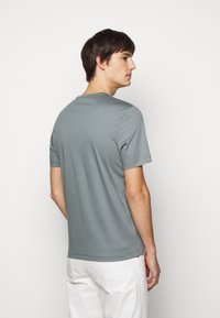 Tiger of Sweden - OLAF - Basic T-shirt - north atlantic - 2