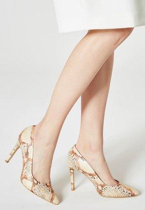 Platform heels - Snake
