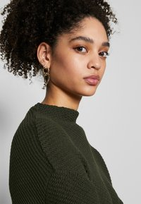 Anna Field - Diagonal jumper with grown on collar - Trui - jungle green - 4