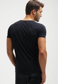 Petrol Industries - 2 PACK - T-shirts basic - black - 2