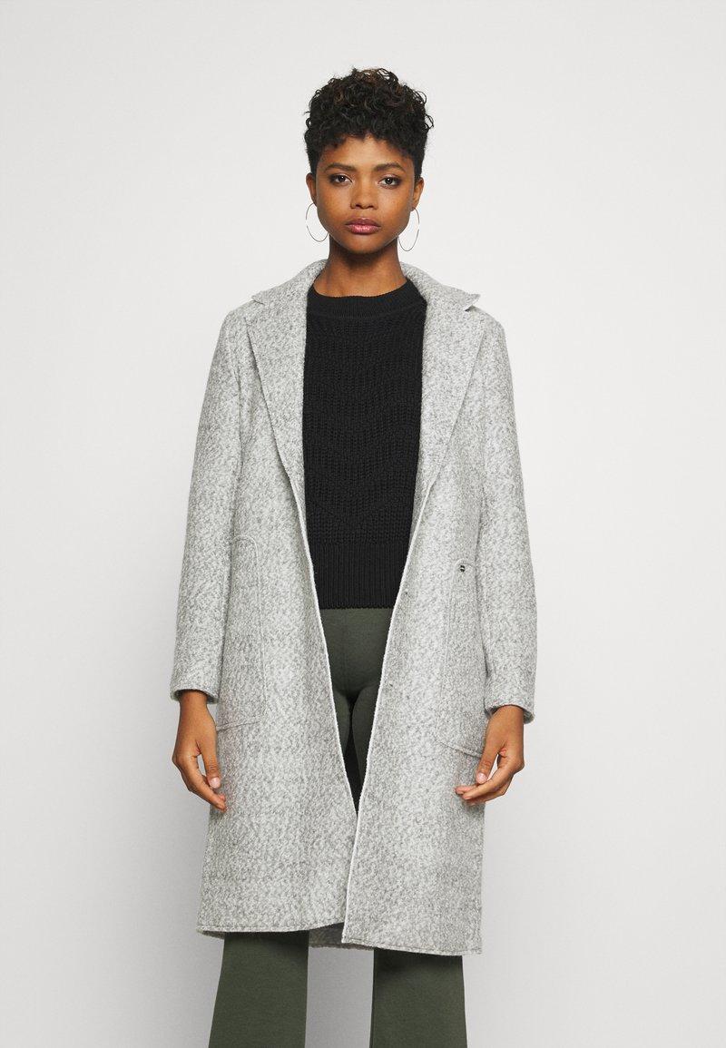 ONLY - ONLSTACY COAT - Klasický kabát - light grey melange