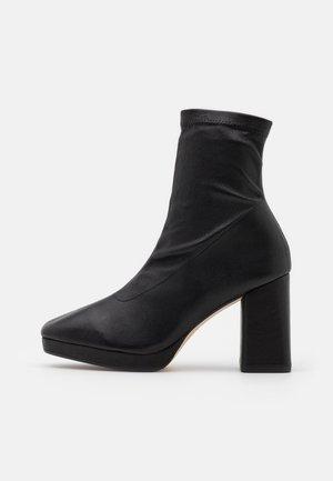 PONY - Kotníková obuv na vysokém podpatku - noir