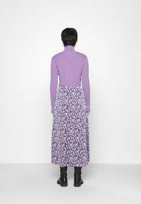 Résumé - CHARLEE SKIRT - Pouzdrová sukně - purple - 2