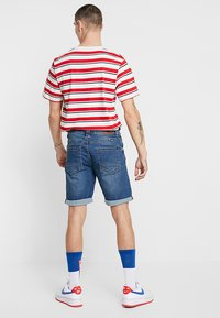 Blend - Shorts di jeans - denim middle blue - 2
