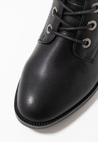 Anna Field - Šněrovací kotníkové boty - black - 2