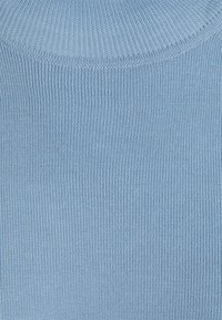 Filippa K - ELBOW SLEEVE - Jednoduché triko - faded blue - 2