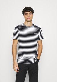 Lacoste - Print T-shirt - farine/abimes - 0